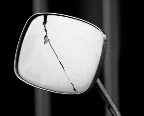 Superstizioni inglesi justranslations - Rompere uno specchio porta fortuna ...