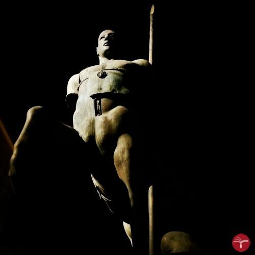 Il Centauro di Mitoraj-Pietrasanta_JUSTRanslations